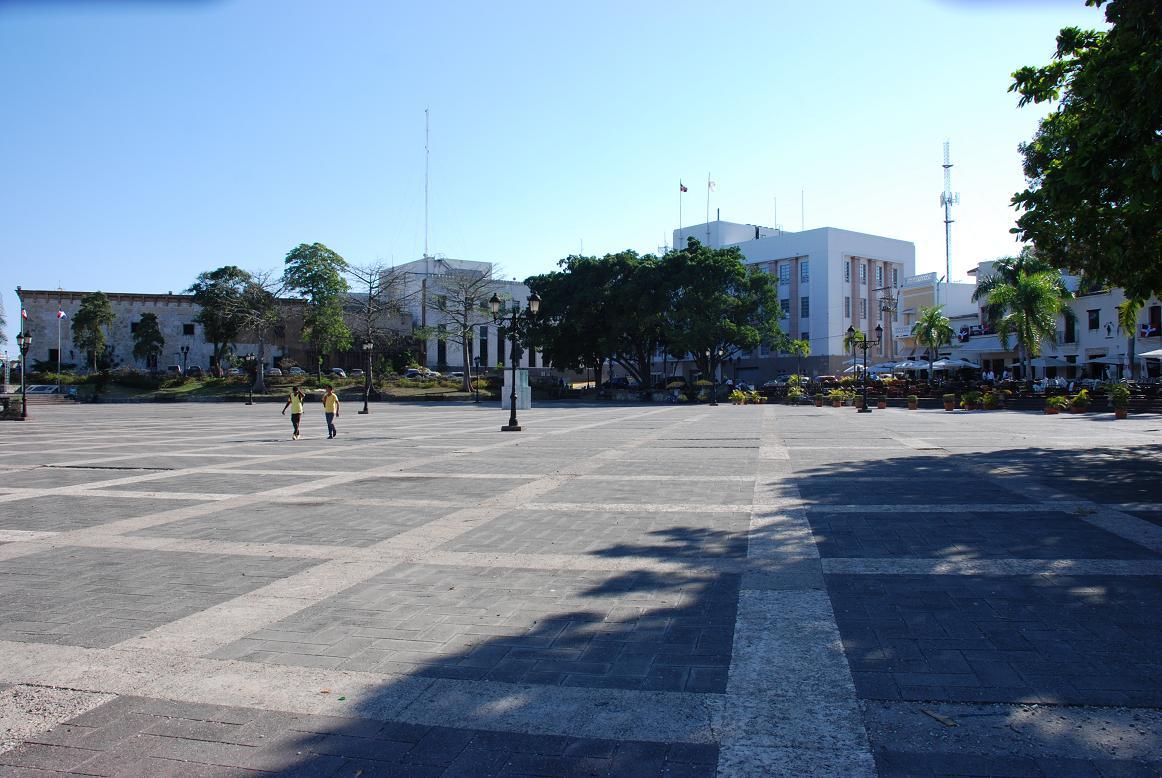 Plaza Espana a Santo Domingo, una birretta per prender fiato